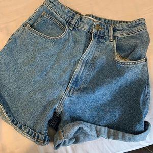 Zara Mom Fit Highwaisted Shorts